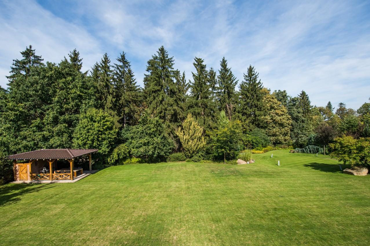 Rodinná rezidence s velkou zahradou