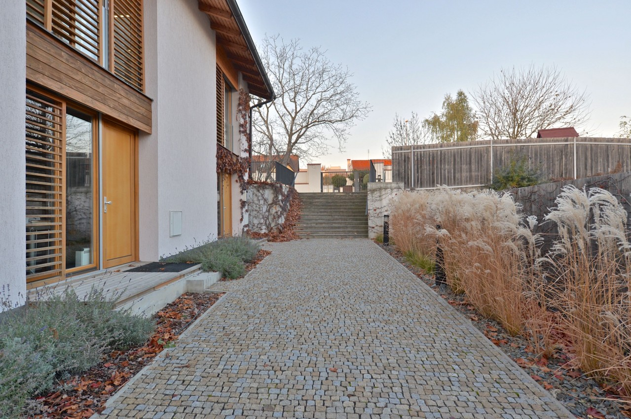 Rodinné bydlení v blízkosti německé školy